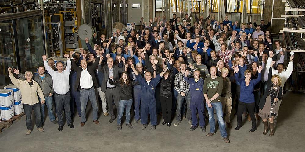Een groepsfoto van alle MHB medewerkers