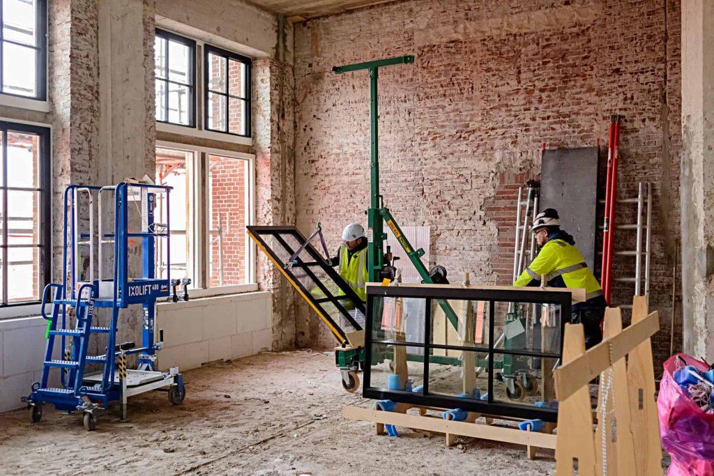 MHB installateurs in het C30 Shell hoofdkantoor in Den Haag