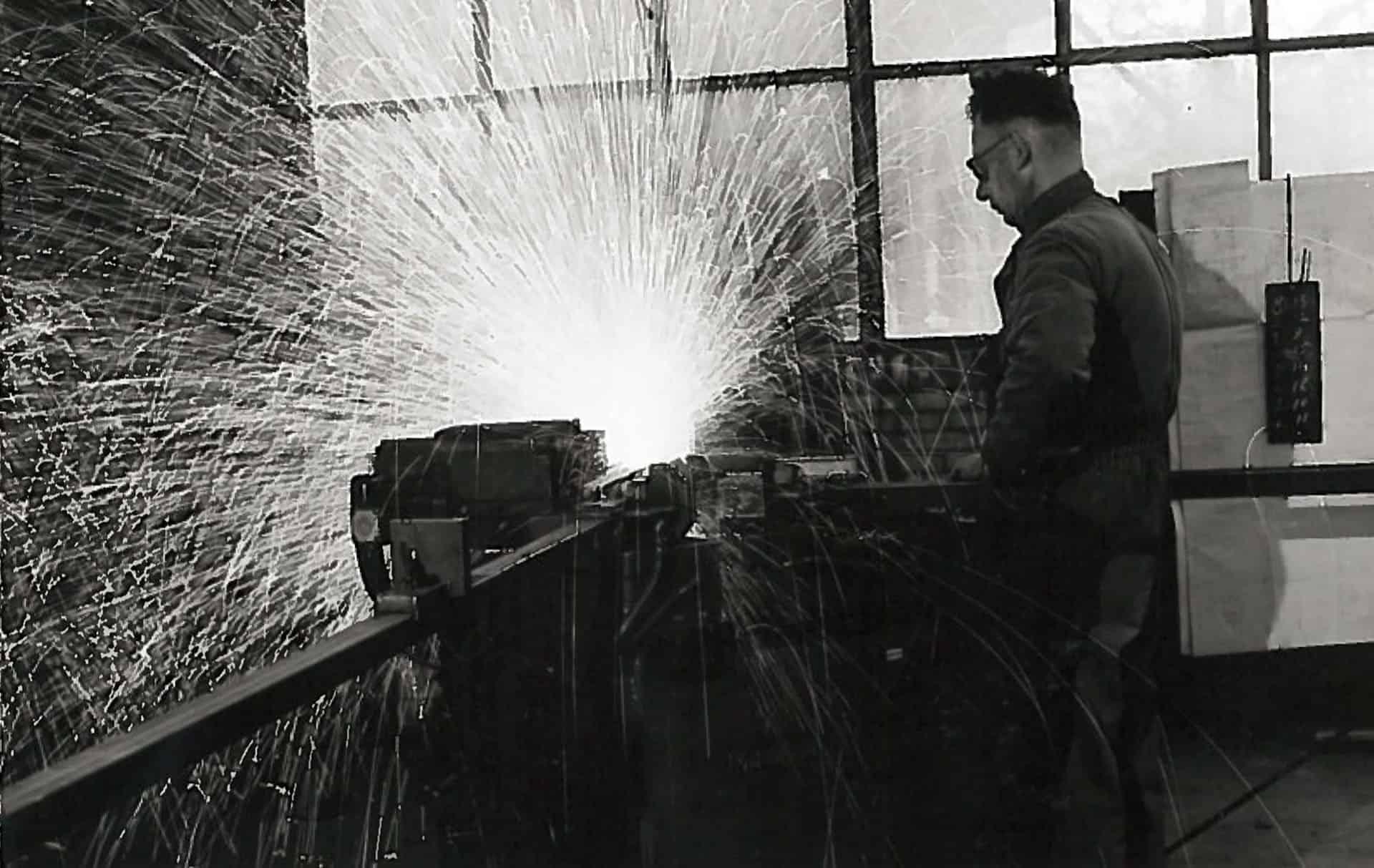 Vakman lasser van MHB uit de jaren 30